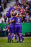 11.08.2019, Stadion an der Bremer Brücke, Osnabrück, GER, DFB Pokal, 1. Hauptrunde, VfL Osnabrueck vs RB Leipzig, DFB REGULATIONS PROHIBIT ANY USE OF PHOTOGRAPHS AS IMAGE SEQUENCES AND/OR QUASI-VIDEO<br /> <br /> im Bild | picture shows:<br /> Etienne Amenyido (VfL Osnabrueck #14) trifft zum 1:1 und jubelt mit seinem Team, <br /> <br /> Foto © nordphoto / Rauch