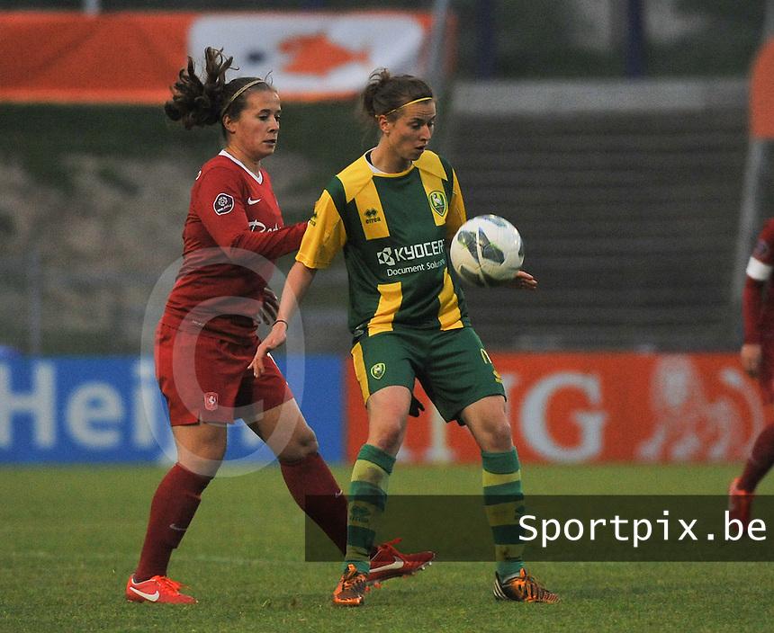 KNVB Beker Finale : ADO Den Haag - FC Twente : Lisanne Grimberg aan de bal voor Tessa Klein Braskamp<br /> foto DAVID CATRY / Nikonpro.be