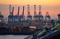 Abend, Beleuchtet, daemmern, Daemmerung, Deutschland, Dockland, Erleuchtet, Hafen, Hafencity, Hamburg, Hansestadt, Lichter, Stadt,