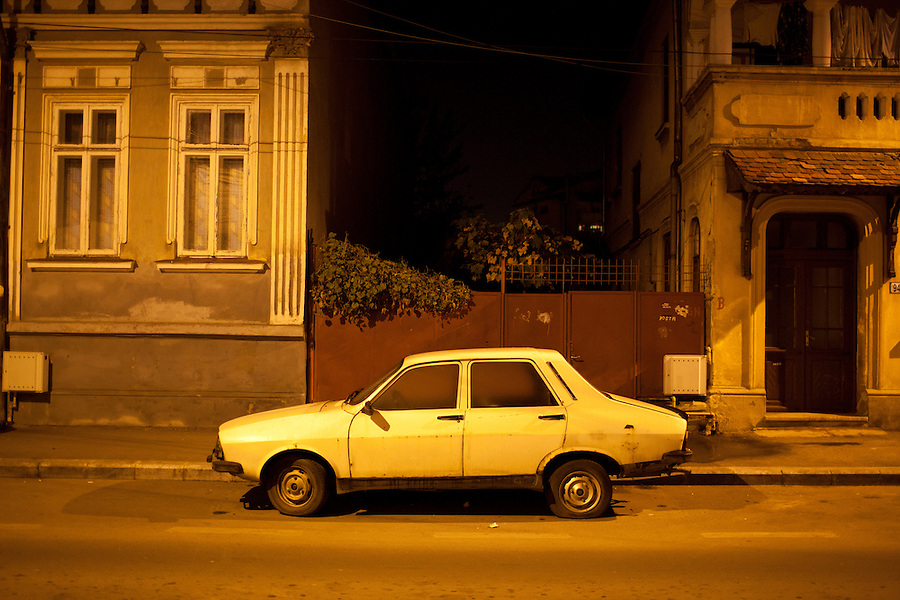 ROMANIA / Bucharest / 21 November 2009 / A Dacia 1310--a symbol of comunist Romania--deep in the back streets of historic Bucharest. © Davin Ellicson / Anzenberger