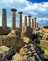 Italy, Sicily, Agrigent: Valle dei Templi, Herakles-Temple