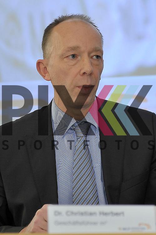 v.l. Dr. Christian Herbert (GF m3) bei der Pressekonferenz fuer den MLP Marathon 2013.<br /> <br /> Foto &copy; Rhein-Neckar-Picture *** Foto ist honorarpflichtig! *** Auf Anfrage in hoeherer Qualitaet/Aufloesung. Belegexemplar erbeten.