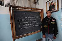 Corso di italiano per stranieri. Italian course for foreigners..Il centro culturale Ararat nasce nel 2000, a Testaccio quartiere di Roma,come luogo di aggregazione culturale con il fine di far conoscere la cultura curda ma, in seguito, diventa un centro di accoglienza per i curdi richiedenti asilo politico..Ora i curdi, presenti nel centro, sono circa quaranta, tutti ragazzi o uomini che non hanno la propria famiglia in Italia, la maggior parte sono senza lavoro..The cultural center Ararat, in Rome, was founded in 2000 as a place of cultural aggregation with the aim of making known the Kurdish culture but later becomes a acceptance centre for Kurdish asylum seekers..Now, in the center,there are forty Kurds,all boys or men who have no family in Italy, most.are without work..