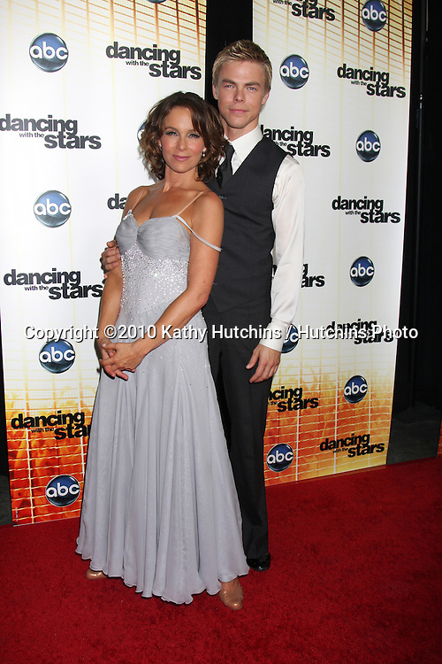 LOS ANGELES - SEP 20:  Jennifer Grey & Derek Hough at the Season 11 Premiere of Dancing with the Stars at CBS Television CIty  on September 20, 2010 in Los Angeles, CA
