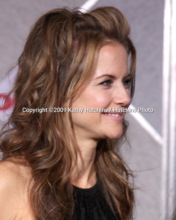 Kelly Preston.arriving at the Old Dogs World Premiere.El Capitan Theater.Los Angeles,  CA.November 9, 2009.©2009 Kathy Hutchins / Hutchins Photo.