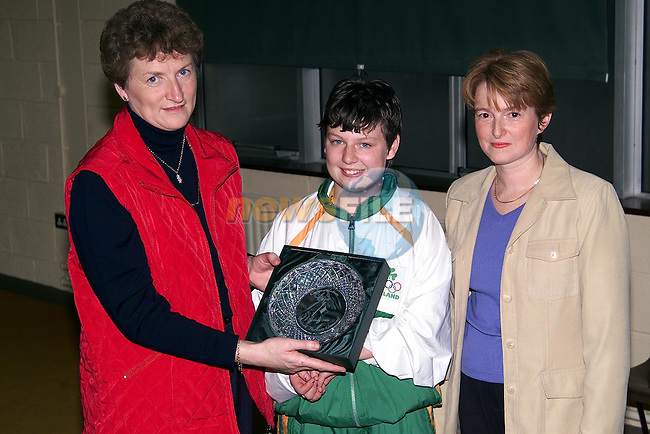 Doreen Bohan and Susan Herron making a presentation on behalf of the parents council of Duleek Girls National School to Lisa Callaghan in recognition of her achievments in the paralympics..Picture: Paul Mohan/Newsfile