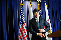 Rod Blagojevich Denies Corruption Charges (USA)