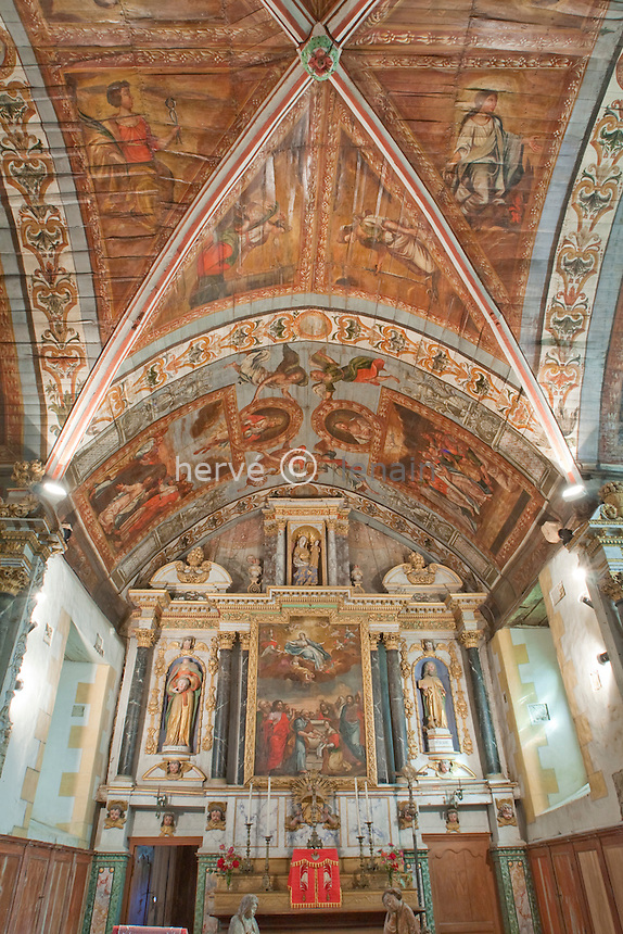 France, Bretagne, Morbihan (56), Noyal-Pontivy, chapelle Sainte-Noyale, l'intérieur aux plafond peints // France, Bretagne, Morbihan, Noyal-Pontivy, chapel Sainte-Noyale, within the ceiling painted.