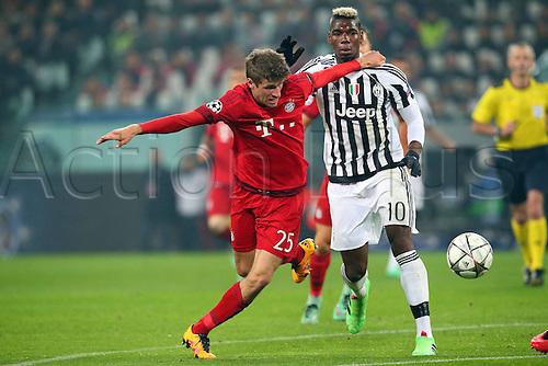 23.02.2016. Turin, Italy. UEFA Champions League football. Juventus versus Bayern Munich.  Thomas Mueller (FC Bayern Mun) Paul Labile Pogba ( Juventus FC )