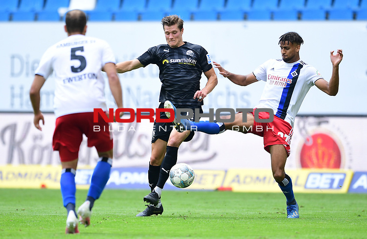 v.l. Kevin Behrens, Josha Vagnoman (HSV)<br />