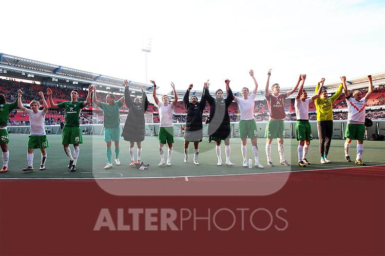 19.03.2011, easy Credit Stadion, Nuernberg, GER, 1.FBL, 1. FC Nuernberg / Nürnberg vs SV Werder Bremen, im Bild:.Mannschaft SV Werder Bremen bedankt sich bei Fans.Foto © nph / Will