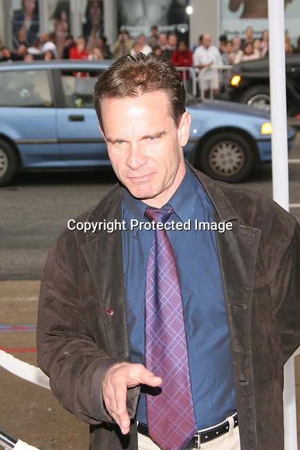 Peter Scolari<br />&quot;The Polar Express&quot; Los Angeles Premiere - Arrivals<br />Grauman's Chinese Theatre<br />Hollywood, CA, USA<br />Sunday, November 07th, 2004<br />Photo By Celebrityvibe.com/Photovibe.com, <br />New York, USA, Phone 212 410 5354, <br />email: sales@celebrityvibe.com