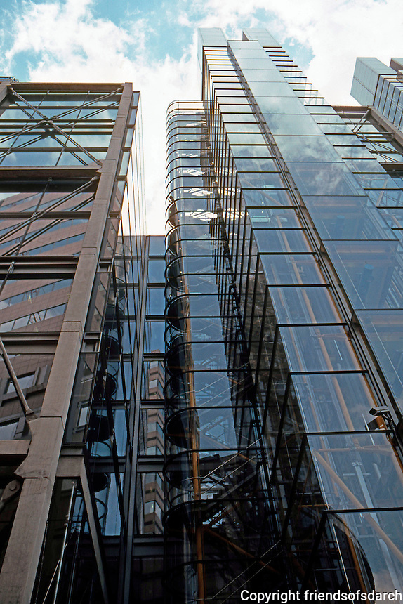 Richard Rodgers: 88 Wood St., 1999.  High Tech Modern. Concrete base, stainless steel frames. Photo '05.