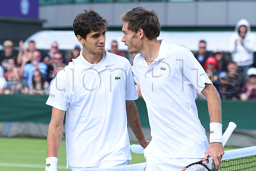 02.07.2016. All England Lawn Tennis and Croquet Club, London, England. The Wimbledon Tennis Championships Day Six.  Nicolas Mahut (fra) vand Pierre Hughes herbert (fra)