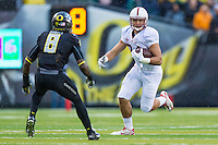 EUGENE, OR - NOVEMBER 1, 2014:  Austin Hooper during Stanford's game against Oregon. The Ducks defeated the Cardinal 45-16.