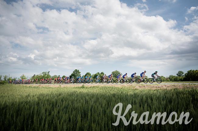 peloton drive-by<br /> <br /> Stage 10: Ravenna to Modena (147km)<br /> 102nd Giro d'Italia 2019<br /> <br /> ©kramon