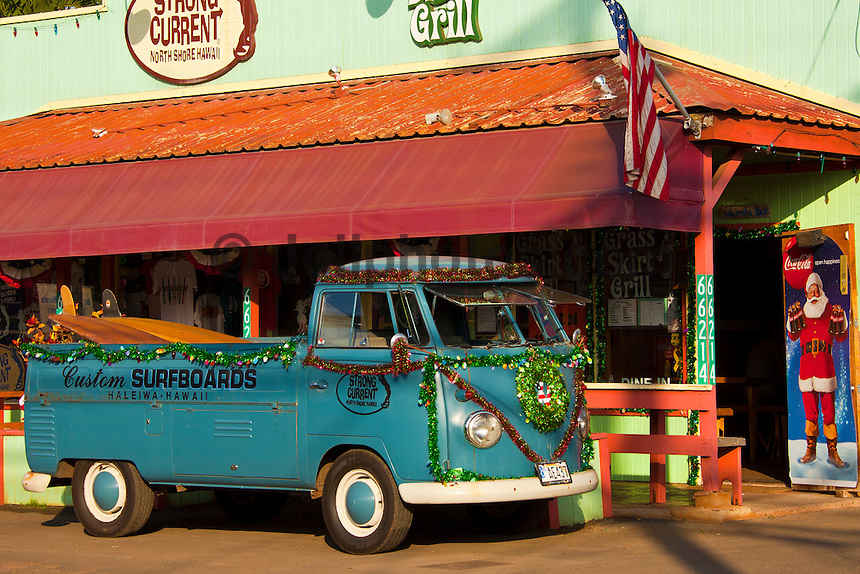 Haleiwa Hawaii, (Sunday December 19, 2010) A VW Kombi decorated for Christmas..Photo: joliphotos.com