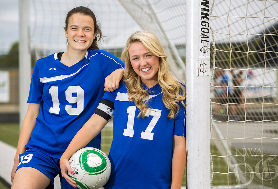 NWA Democrat-Gazette/JASON IVESTER --04/23/2015--<br /> Rogers High junior Maisy Louree (left) and senior Allie James; photographed on Thursday, April 23, 2015, at Rogers High School