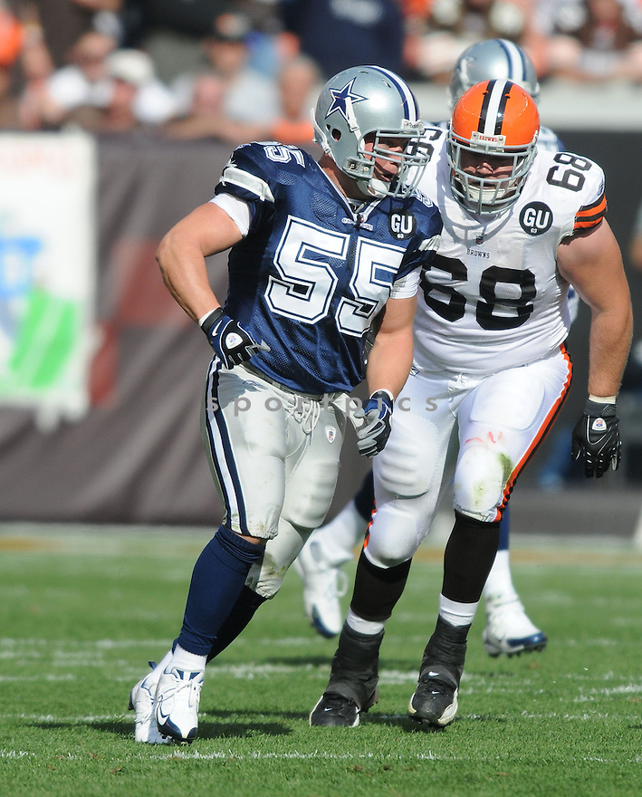 ZACH THOMAS, of the Dallas Cowboys  , in action during the Cowboys game against the Cleveland Browns in Cleveland, Ohio on September 7, 2008..The Dallas Cowboys won 28-10
