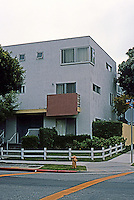 Koning Eizenberg: OP 12--6 units of affordable housing on 5th & 6th St. in Ocean Park, Santa Monica. 1986-88.  Photo '04.