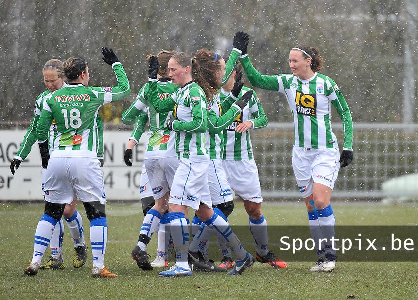 Club Brugge Dames - PEC Zwolle : Lisanne Vermeulen scoort de 0-1 voor Zwolle en viert dit met haar ploegmaats.foto DAVID CATRY / Vrouwenteam.be