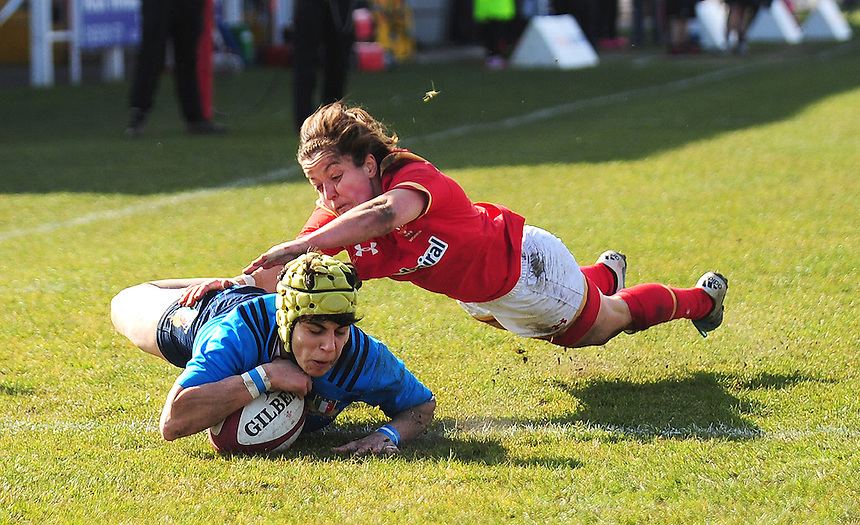 Italy&rsquo;s Beatrice Rigoni scores her sides second try<br /> <br /> Photographer Kevin Barnes/CameraSport<br /> <br /> International Women's Rugby Union - RBS Women's Six Nations Championships 2016 Round 5 - Wales Women v Italy Women - Sunday 20th March 2016 - Aberavon RFC, Port Talbot<br /> <br /> &copy; CameraSport - 43 Linden Ave. Countesthorpe. Leicester. England. LE8 5PG - Tel: +44 (0) 116 277 4147 - admin@camerasport.com - www.camerasport.com