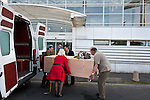 Les deux momies expos&eacute;es au Mus&eacute;e des Beaux-Arts de Rennes sont envoy&eacute;es au CHU de Rennes pour subir un scanner.<br /> extrait synopsis Olivier Quarante : Depuis qu'elles ont d&eacute;barqu&eacute; en France en 1907 dans les valises de l'arch&eacute;ologue Albert Gayet, 38 momies de la n&eacute;cropole copte d'Antino&euml;, diss&eacute;min&eacute;es dans une dizaine de villes, n'auront pas connu pareil d&eacute;sagr&eacute;ment. Sorties de leur caisson d&rsquo;exposition, conditionn&eacute;es dans des sacs mortuaires, install&eacute;es dans des caisses, d&eacute;plac&eacute;es dans un camion avant d'arriver &agrave; l'h&ocirc;pital le plus proche pour un scanner...<br /> Apr&egrave;s Paris, Dunkerque ou Lille, o&ugrave; Samuel Merigeaud, radiologue au Chu de Montpellier et sp&eacute;cialiste de l'utilisation des technologies d'imagerie m&eacute;dicale sur les restes humains, s&rsquo;est rendu pour scanner ces momies, cette vaste op&eacute;ration qui se d&eacute;roule dans le plus grande discr&eacute;tion est pass&eacute;e par Rennes....<br /> Peut-&ecirc;tre alors la Dame d&rsquo;Antino&euml;, nom de bapt&ecirc;me de la momie adulte de Rennes, une des 10 momies &agrave; avoir son linceul peint &agrave; l&rsquo;effigie de la d&eacute;funte encore sur son corps, d&eacute;voilera des secrets de son histoire&hellip;