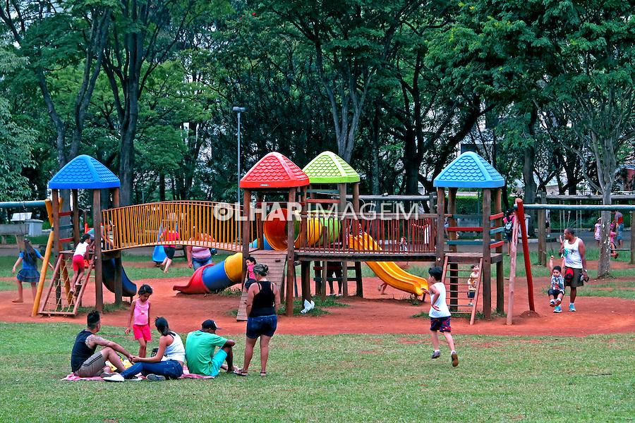 Parque Centro Esportivo do Trabalhador, CERET. Analia Franco. Sao Paulo. 2015. Foto de Juca Martins.