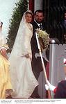 Letizia Ortiz con su padre Jesus Ortiz entrando en la Catedral de la Almudena el día de su boda con el principe Felipe de Borbon. Madrid, España, 22/05/04..Letizia Ortiz with her father Jesus Ortiz entering at Almudena Cathedral during her wedding day with Prince Felipe of Borbon. Madrid, Spain, 05/22/04.