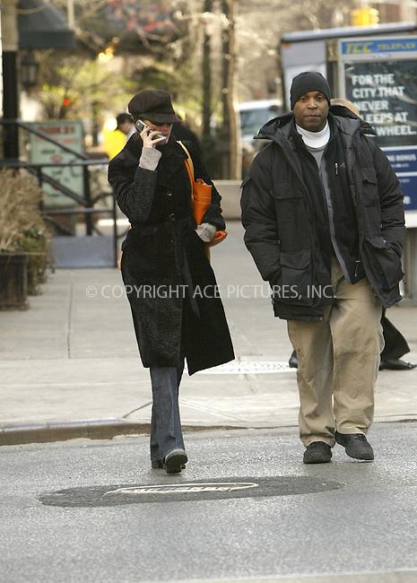 WWW.ACEPIXS.COM . . . . .  ....March 21 2006, New York City....Actress Julia Roberts wraps up warm and takes a stroll around her Park Avenue neighborhood.........Please byline: JENNIFER L GONZELES - ACEPIXS.COM.... *** ***   ***..For information contact:..Ace Pictures, Inc:  ..(212) 243-8787 or (646) 769 0430..e-mail: info@acepixs.com..web: http://www.acepixs.com