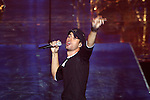 Singer ENRIQUE IGLESIAS on the stage. The final of Eurovoice contest with winning song from Cyprus. Thirty-three countries  participate in the contest. The hostess of the show is PAMELA ANDERSON. Additionally the following quest starl perform during the show: ENRIQUE IGLESIAS.