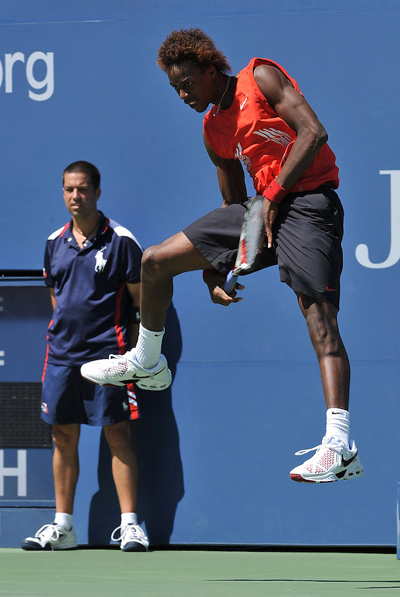Gael Monfils FRA (No 32 seed) in action against Mardy Fish US in the 4th round -..Mardy Fish  US  beat Gael Monfils FRA (No 32 seed) 7-5  6-2  6-2 in the 4th round..International Tennis - US Open - Flushing Meadows - New York - USA - Day 8 - Mon 01 Sep 2008..