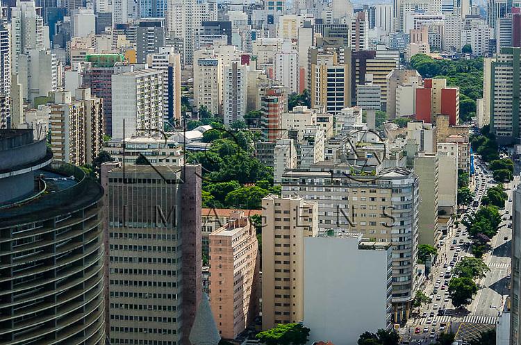 Vista  do  Edifício Copan e do centro da cidade, a partir do Edifício Itália, São Paulo - SP, 01/2014.