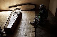 MALAWI: GALUFU VILLAGE DAILY LIFE