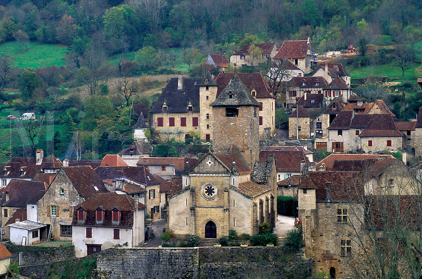 Dordogne, Perigord, Lot, France, Midi-Pyrenees, Autoire, Europe, Scenic view of the medieval village of Autoire.