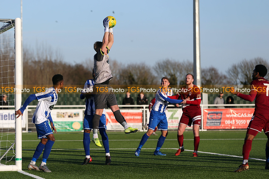 David Hughes of Aveley shows a safe pair of hands during Aveley vs Chelmsford City, Buildbase FA Trophy Football at Parkside on 8th February 2020
