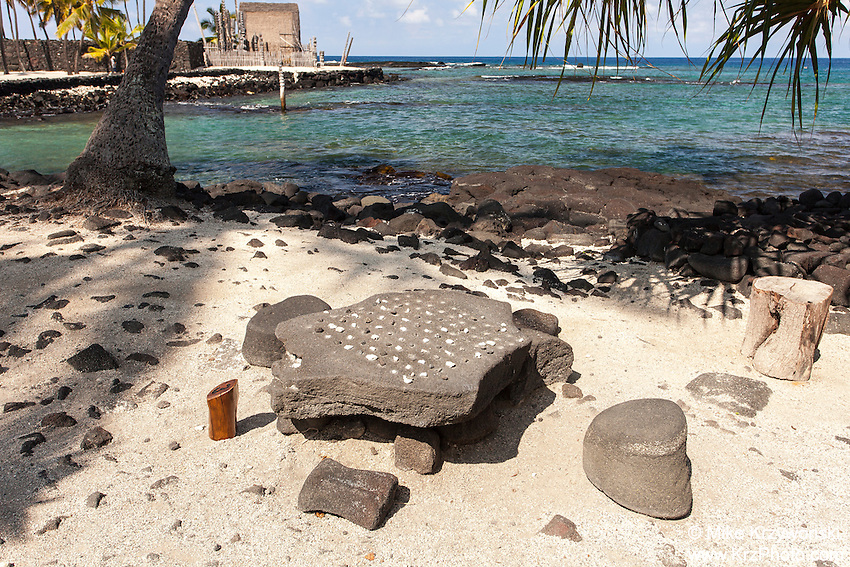 Konane replica game w/ pebbles in Pu'uhonua o Honaunau place of refuge national historical park, Big Island, Hawaii