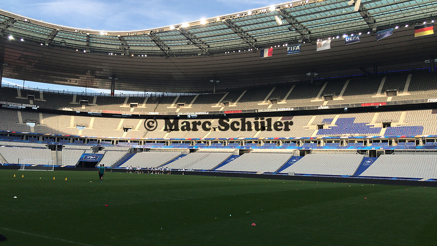 Innenraum des Stade de France - 15.10.2018: Abschlustraining Deutschland vor dem Spiel Frankreich vs. Deutschland, 4. Spieltag UEFA Nations League, Stade de France, DISCLAIMER: DFB regulations prohibit any use of photographs as image sequences and/or quasi-video.