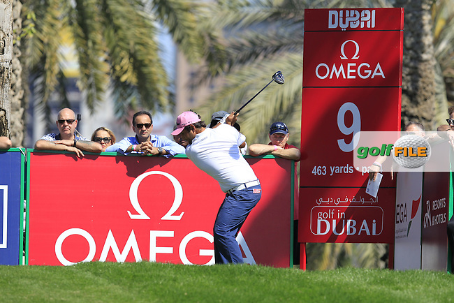 Alexander Levy (FRA) tees off the 9th tee during Pink Friday's Round 2 of the 2015 Omega Dubai Desert Classic held at the Emirates Golf Club, Dubai, UAE.: Picture Eoin Clarke, www.golffile.ie: 1/30/2015