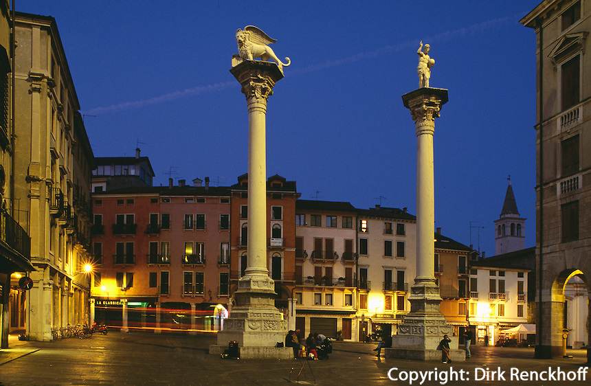 Säulen mit Redentore + Markuslöwe,  Piazza dei Signorie, Vicenza, Venetien-Friaul, Italien, Unesco-Weltkulturerbe