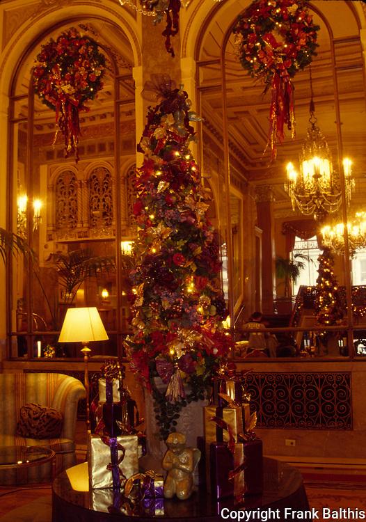 Sir Francis Drake Hotel at Christmas