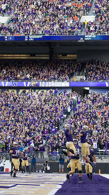 Husky Stadium celebrates a Dante Pettis touchdown.