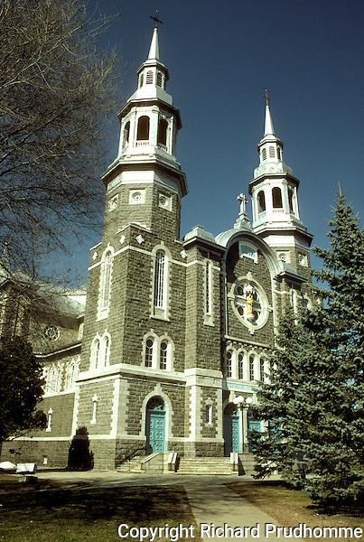 Eglise Saint-Antoine-de-Padoue a Louiseville, Chemin du Roy, region Mauricie, Quebec