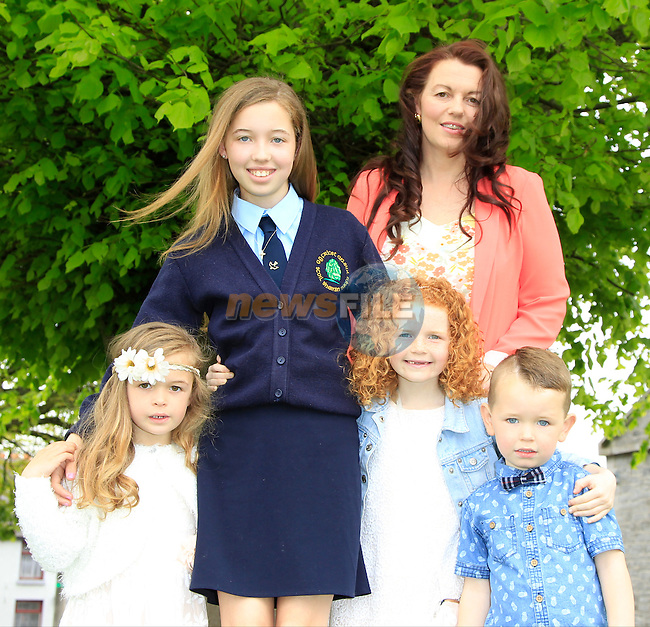 Alannah and Debbie Field with Sophia, Isabella and Sam during Confirmation for Duleek National School on Friday 22nd May 2015.<br /> Picture:  Thos Caffrey / www.newsfile.ie