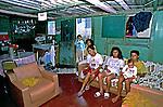 Família na favela Heliópolis. São Paulo. 1994. Foto de Juca Martins.
