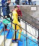 10.03.2018, OLympiastadion, Berlin, GER, 1.FBL, Hertha BSC VS. FC Freiburg, im Bild <br /> Rune Jarstein (Hertha BSC Berlin #22) mit Tochter, Treppen runter zur Kabine<br /> <br /> <br />       <br /> Foto &copy; nordphoto / Engler
