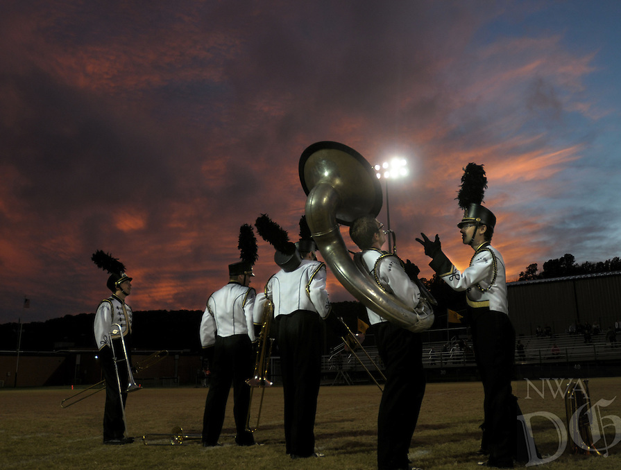 NWA Democrat-Gazette/ANDY SHUPE<br /> West Fork and Elkins Friday, Oct. 23, 2015, at Tiger Stadium in West Fork. Visit nwadg.com/photos to see more photographs from the game.