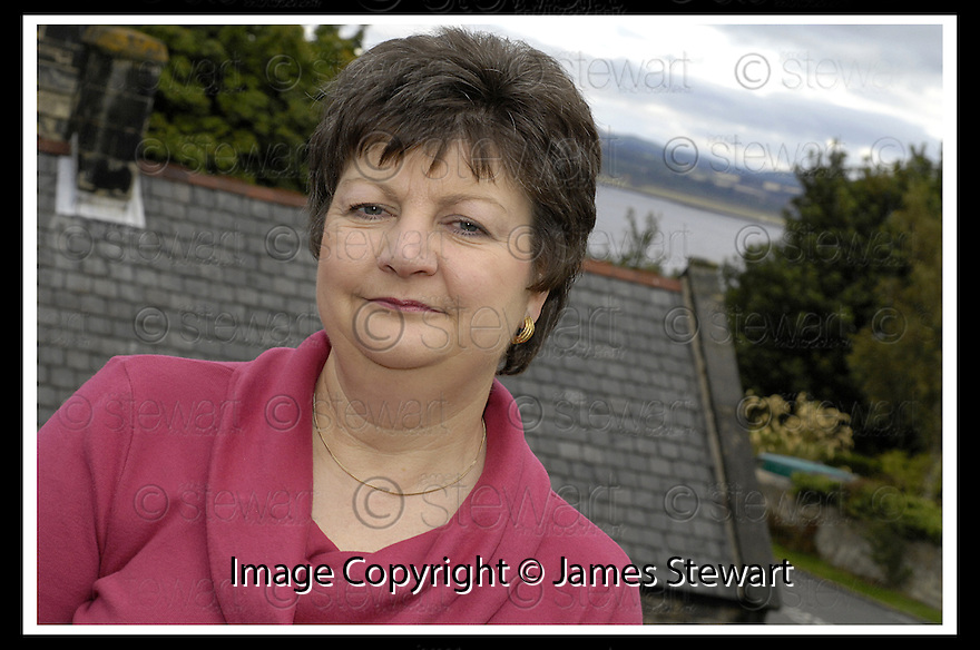 17/09/2007       Copyright Pic: James Stewart.File Name : sct_jspa06_lin_macmillan.BREAST CANCER STORY ::.LIN MACMILLAN, 4 CHURCH ROAD, BO'NESS. EH51 OEL.....James Stewart Photo Agency 19 Carronlea Drive, Falkirk. FK2 8DN      Vat Reg No. 607 6932 25.Office     : +44 (0)1324 570906     .Mobile   : +44 (0)7721 416997.Fax         : +44 (0)1324 570906.E-mail  :  jim@jspa.co.uk.If you require further information then contact Jim Stewart on any of the numbers above........