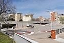 31 marzo 2020, Sassari, via Enrico De Nicola - via dei Mille. Il parcheggio di via dei Mille, sullo sfondo l'Ospedale Santissima Annunziata.