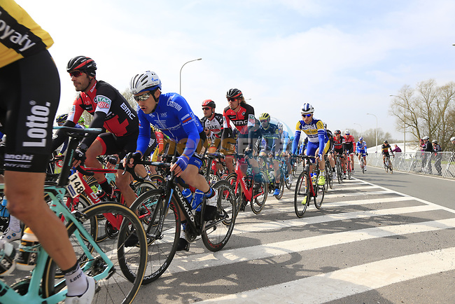The peloton pass through Mater during the 60th edition of the Record Bank E3 Harelbeke 2017, Flanders, Belgium. 24th March 2017.<br /> Picture: Eoin Clarke   Cyclefile<br /> <br /> <br /> All photos usage must carry mandatory copyright credit (&copy; Cyclefile   Eoin Clarke)